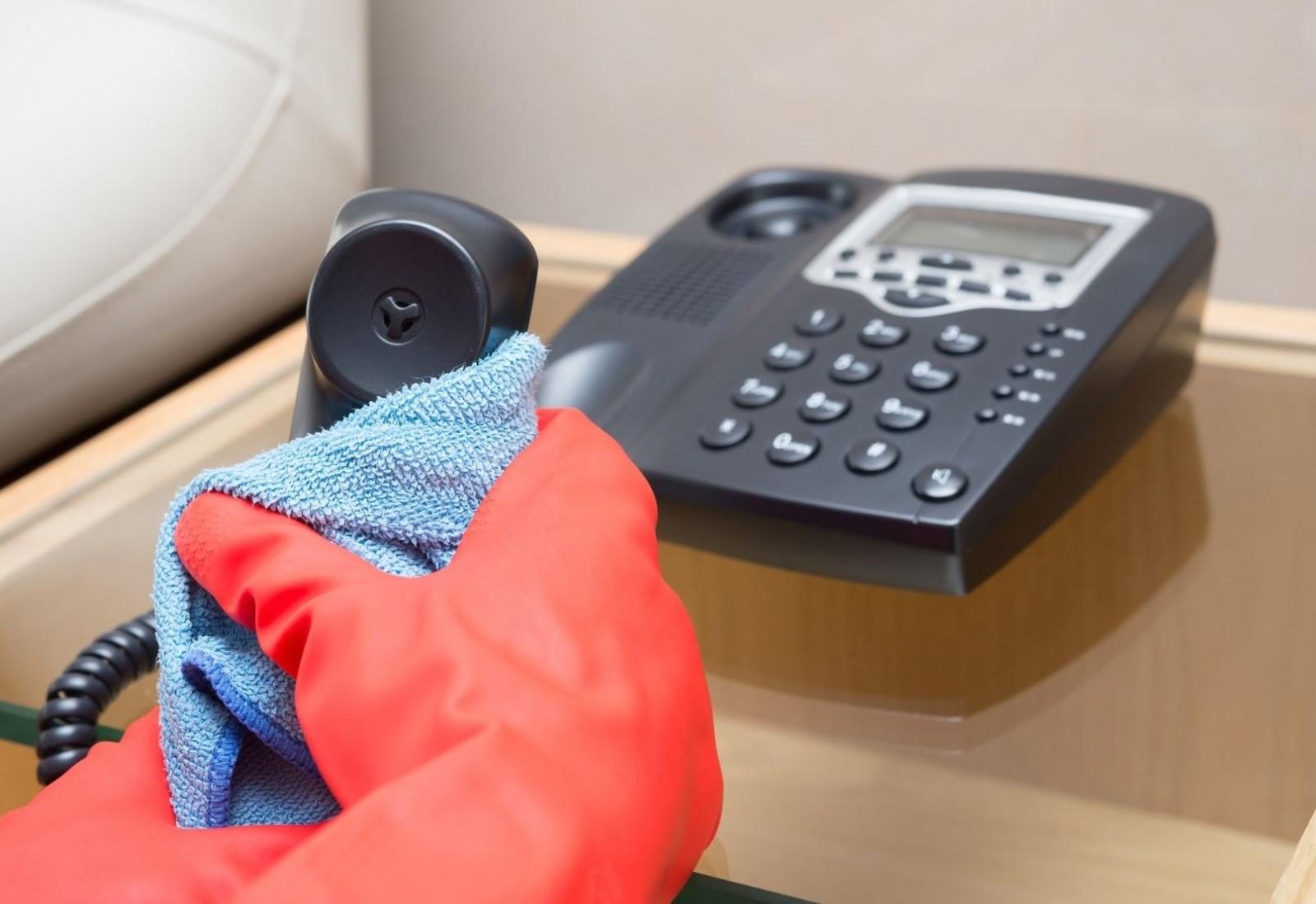 IT Hygiene clean computers phones sterilize