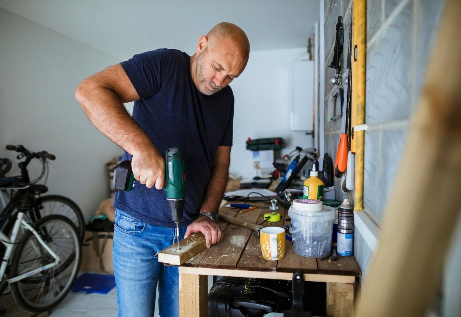 Residential Handyman DIY repair small job building