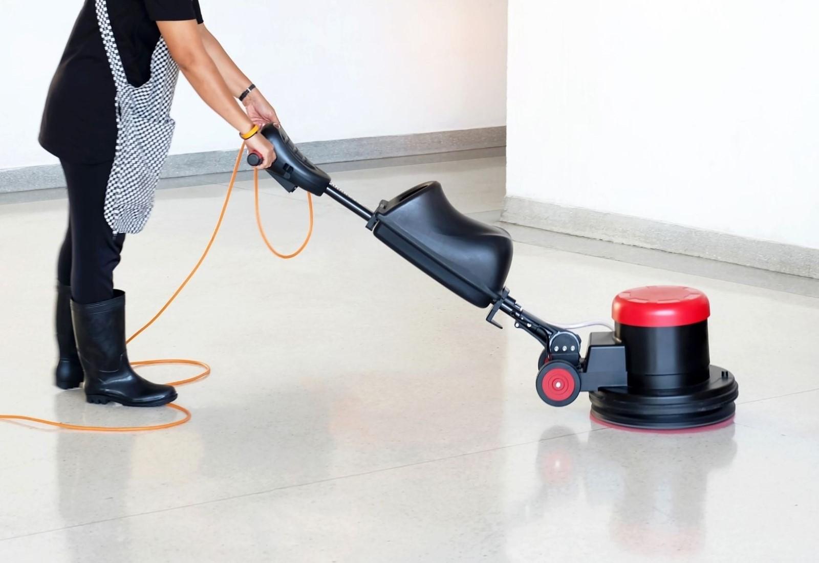 Residential vinyl floor polishing